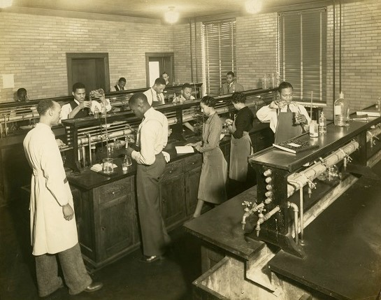 photo of Fisk students receiving training in Talley-Brady Hall, the first modern chemistry building at a historically black college or university