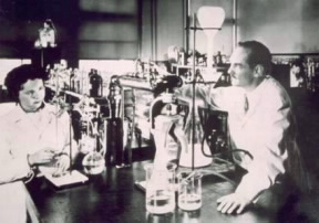 Gertrude Elion and George Hitchings working in the Laboratory