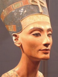"""Ancient Egyptian cosmetics: """"Magical"""" makeup may have been"""